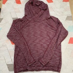 LULULEMON stretchy maroon pullover